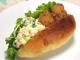 唐揚げとポテトサラダのホットドッグサンド