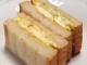 アボカドとたまごとカマンベールのサンドイッチ